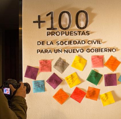 """Lanzamiento del libro """"+100 propuestas de la sociedad civil para un nuevo gobierno"""""""