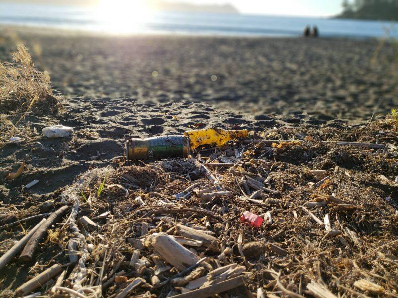 ¡En Chile ya no se ensucia! ¿Podrán las multas erradicar nuestra estrecha relación cultural con la basura?